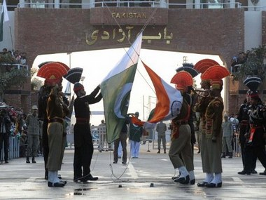 INDIA-PAKISTAN-RETREAT-CEREMONY