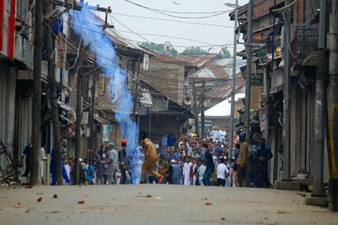 Teargas shelling, Pellet firing on mourners in Nowhatta……….