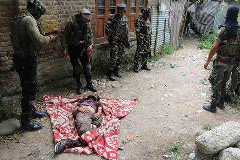 More than 13 injured in Pulwama Clashes,  One with firearm injury in chest………